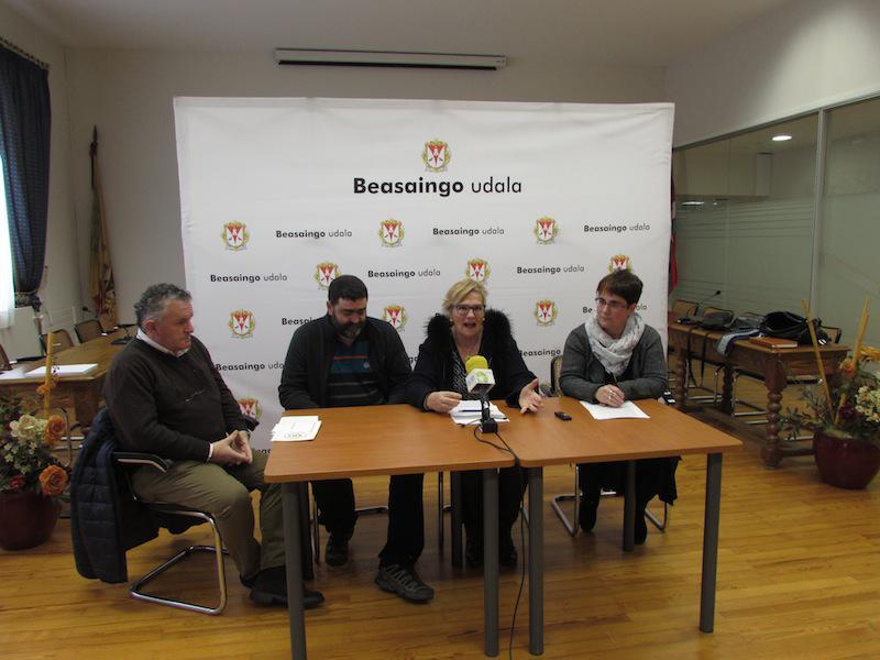 Julio Escalante, Josetxo Mendia, Enkarni Arrieta eta Ane Egurtza.