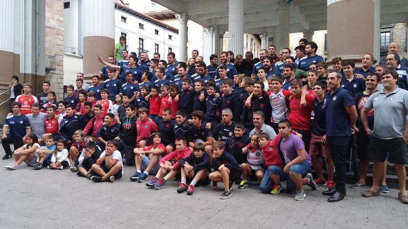 Ordizia Rugby Elkartearen taldeko argazkia, denboraldi hasieran.