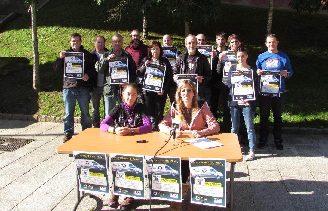 LAB sindikatuko ordezkariak prentsa agerraldia egin dute gaur Beasainen, Ekimen Ibiltaria aurkezteko.