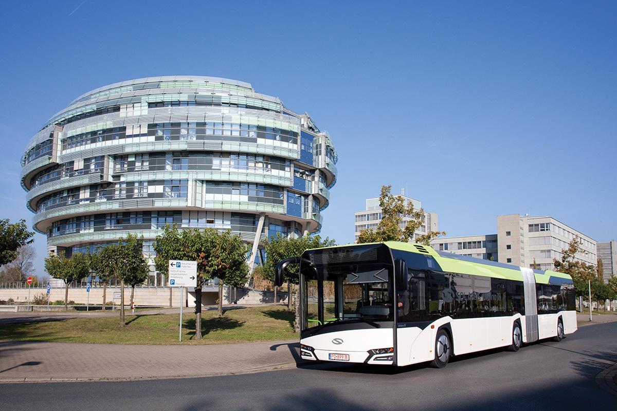 Solaris motako autobusa, Letoniako hiriburuan, Rigan. Arg.: CAF